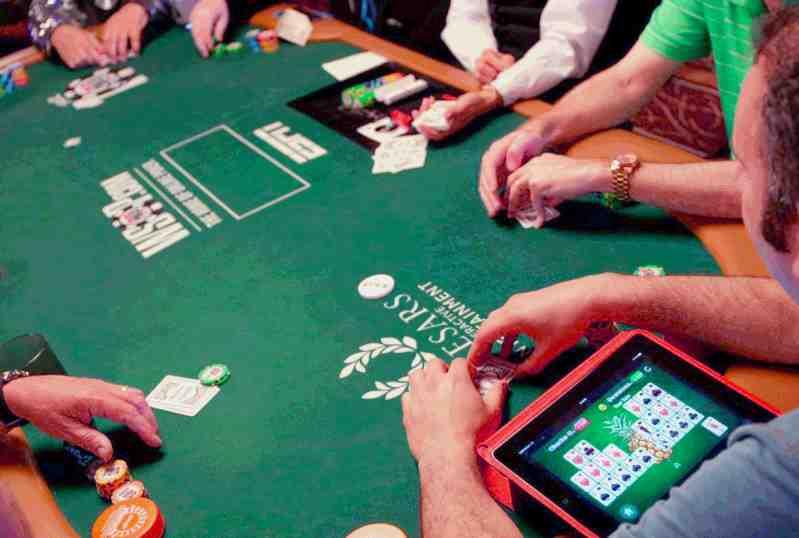 Играть покер онлайн интересные не честное казино онлайн